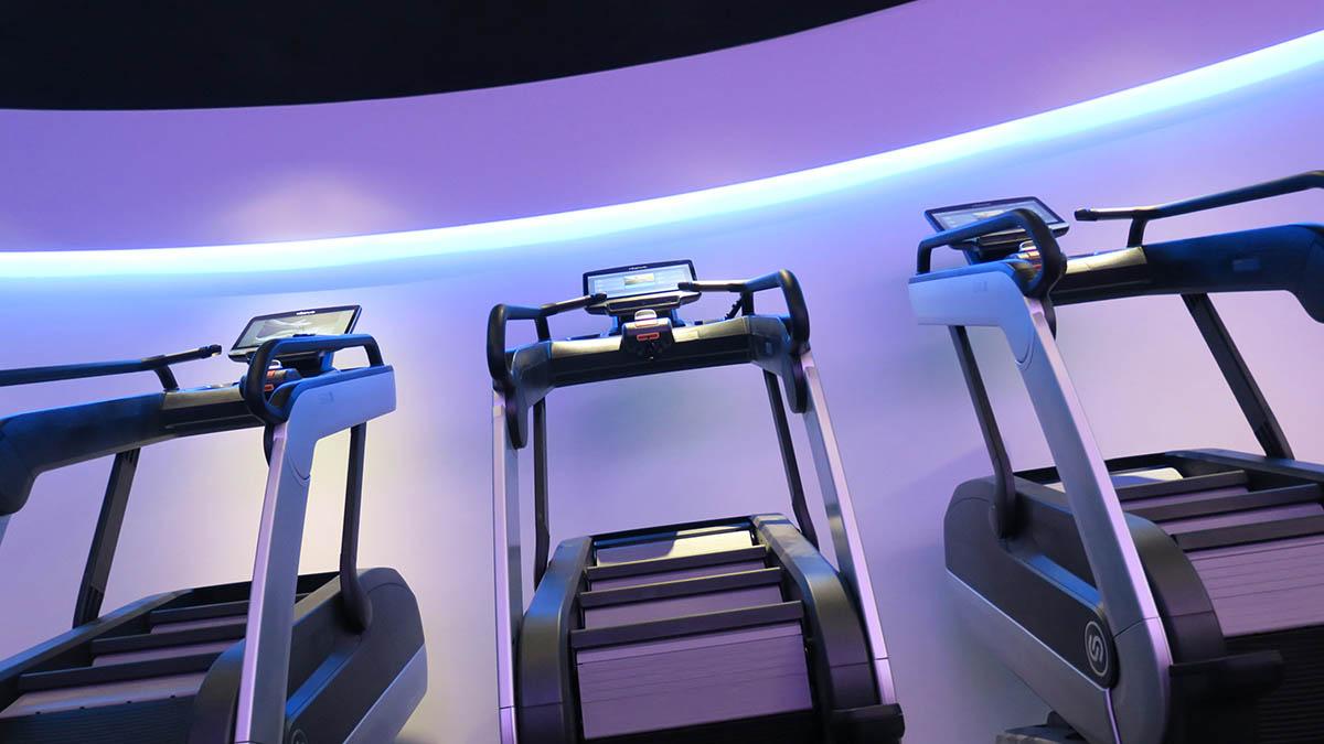 przyklady instalacji schodow fitness Intenza w klubie - silownia Move 360.jpg Move 360 7