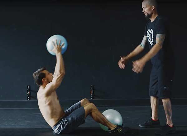 trening z piłką lekarską